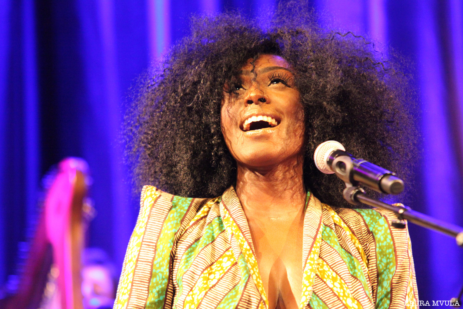 002_030_Laura_Mvula_Hippodrome_Centrepoint_by_Harriet_Armstrong
